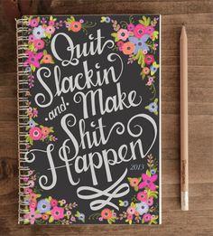 """sabe  aquele caderno que você  quase não ultizou no semestre  passado e  ainda sobraram muita spáginas? você pode  economizar  e personalizá-lo. cole figuras,adesive,pinte,escreva o que  você quiser na capa e  transforme o seu caderno """"velho"""" em """"novo""""."""