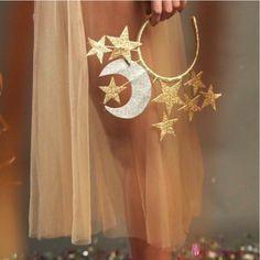 40 ideas for party aesthetic gold Fancy Dress, Dress Up, Fantasias Halloween, Halloween Disfraces, Stars And Moon, Headdress, Headbands, Halloween Costumes, Nativity Costumes