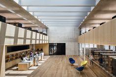 BAUWELT - Stadtbibliothek Dornbirn Atrium, Skylight Window, Cosy Corner, Glass Facades, Aluminium Windows, Learning Spaces, Amazing Architecture, Retail Design, Bookshelves