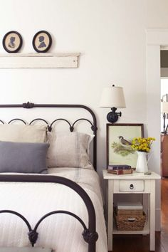 Cozy Farmhouse Bedroom Design Ideas That Inspire05