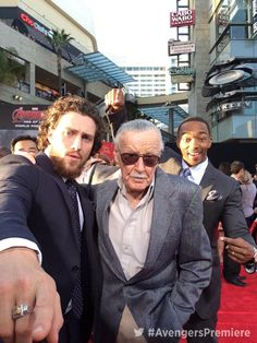 Avengers: Age of Ultron premiere/ Stan Lee, Aaron Taylor-Johnson, and Anthony Mackie Aaron Taylor Johnson Quicksilver, Aaron Johnson, Nowhere Boy, Avengers Cast, Marvel Avengers, Avengers Live, Quicksilver Avengers, John Lennon, Avengers Quotes
