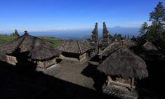 Pesona Candi Cetho di Lereng Gunung Lawu Building, Travel, Viajes, Buildings, Destinations, Traveling, Trips, Construction