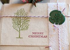 Love the use of the wax seal on this Christmas package❣ Florali - Fine Flowers, CA