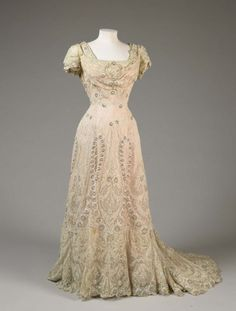 Fashions From History    Evening Dress    1906    Fine Arts Museum of San Francisco