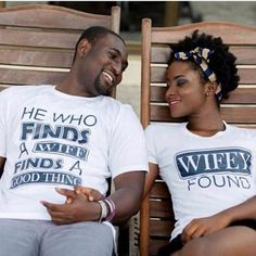 Couples are showing different ways to love and one of those ways is having a unique pre-wedding photo session. This is a great photo shoot idea for couples who plan… Matching Couples, Cute Couples, Matching Couple Shirts, Cadeau Couple, Just In Case, Just For You, Pose, Romantic Pictures, Couple Pictures