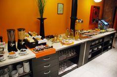 Sala de desayunos // Buffet Breakfast