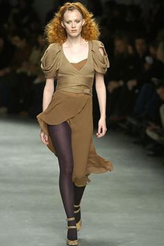 Martine Sitbon Fall 2004 Ready-to-Wear Collection Photos - Vogue