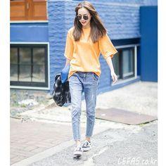 """""""배지인(25) 학생 2nd week of Aug 2015 가로수길 photo by 김민영  Shoes : #Vans Bag : #Bottegaveneta  청춘에게 교정 2년은 너무 길다 플로렌치과(http://me2.do/xaKhzWV7)  #fashion…"""""""