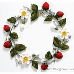 QUILLING - strawberry wreath