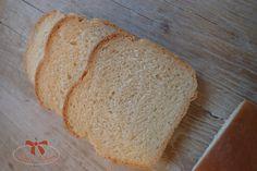 Toastový chlieb biely na americký spôsob - Sisters Bakery Bakery, Sisters, Bread, Food, Basket, Brot, Essen, Baking, Meals