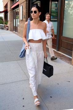 It's hot out there, and getting increasingly more difficult to come up with outfit combos that don't involve denim cutoffs (a mainstay we'll be forever loyal to, but can still become tired of). Serving up a timely dose of inspiration is model and street-style muse Lily Aldridge, who sported a breezy, two-piece ensemble that feels undeniably fresh and weather-appropriate for late summer.