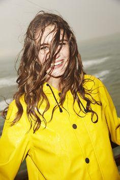 Autumn/Winter 2014-2015 lookbook - http://www.petit-bateau.fr/?CMP=SOC_11732SOU=TYP=SOCKW=pinterest #womensfashion #raincoat #petitbateau