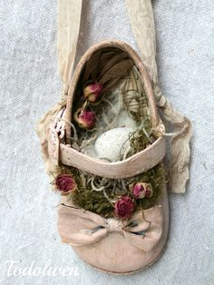 Baby Shoe Nest Pink 1 by Todolwen on Etsy