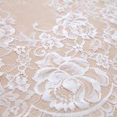 Tecido renda chantilly off white - Maximus Tecidos | Loja Online