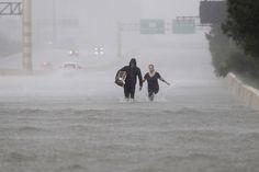 Orkaan Harvey die begin september 2017 aan land ging in de Amerikaanse staat Texas kostte rechtstreeks of onrechtstreeks het leven aan 39 mensen. De zware regenval zorgde ook voor veel overstromingen. De schade in de regio wordt geschat op meer dan 120 miljard dollar. Naar schatting meer dan 100.000 woningen raakten beschadigd.