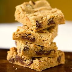 Secret Ingredient REALLY Healthy Chocolate Chip Cookie Bars | creativity through FOOD!