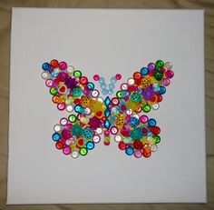 Très facile à réaliser, ça donne rapidement un résultat du plus bel effet. Celui-ci est très girly-paillettes car c'est pour une toute petite fille, mais tout dépend évidemment des boutons utilisés. Matériel: - plein de boutons de formes et couleurs différentes...