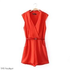 New Fashion Ladies' elegant red short jumpsuit V-neck chiffon rompers sleeveless pocket casual slim overalls brand design Red Playsuit, Look 2015, Office Outfits, Jumpsuits For Women, Casual Dresses, Lululemon, Forever 21, Rompers, Outfit