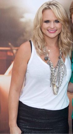 love her hair Miranda Blake, Blake Shelton Miranda Lambert, Miranda Lambert Photos, Blonde Bob Hairstyles, Blonde Hair, Cool Hairstyles, Maranda Lambert, Celebs, Celebrities