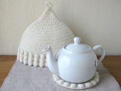 Tea Cosy/Trivet Set  white/bobble trim  Icelandic by mariavalles,