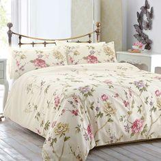 Sie Möchten Ein Vintage Schlafzimmer Einrichten, Ohne Dabei Die Möbel Zu  Ersetzen? Setzen Sie Akzente Mit Verspielten Blumenmustern U2013 Sie Bringen