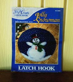 J P Coats Round Jolly Snowman Winter Latch Hook Rug Wall Hanging Kit Started VTG