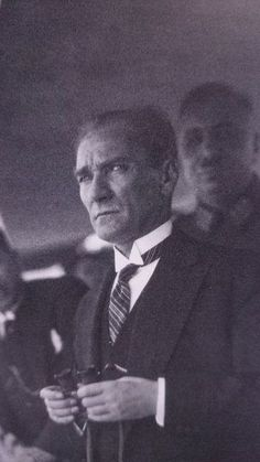 Atatürk's first published photos - News - Pizlo pin Henna, Girl Scout Leader, King Of My Heart, English Activities, Most Beautiful Wallpaper, Story Instagram, Thing 1, World Leaders, Black Wallpaper