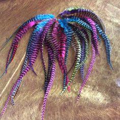 Retrouvez cet article dans ma boutique Etsy https://www.etsy.com/fr/listing/260488896/piquets-de-plumes-multicolores-coqs