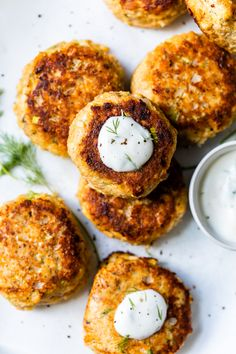 These low-carb Salmon Croquettes with Dill Sauce are healthier than traditional deep-fried ones and use only egg as a binder rather than breadcrumbs or crackers. #salmon #Croquettes Canned Salmon Recipes, Fish Recipes, Seafood Recipes, Best Salmon Recipe, Skinny Recipes, Clean Recipes, Cooking Recipes, Healthy Recipes, Healthy Eats