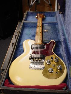 Mosrite Brass Rail 1976 Cream Color