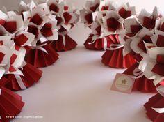 Adriana Suzuki: Chá de cozinha com origamis. Vasos plissados com begônias de origami.