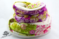 Schöner bunter Loop Schal aus der Lieblingsmanufaktur: farbenfrohe Einzelstücke,hochwertig verarbeitet.