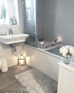 Bathroom Decor pictures Cleaning fans are stockpiling this 1 household product after Mrs Hinch said she swears by it Bad Inspiration, Bathroom Inspiration, Bathroom Interior Design, Interior Decorating, Hallway Decorating, Decorating Ideas, Style At Home, Home Fashion, Amazing Bathrooms