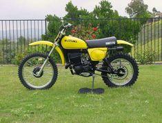 Suzuki Dirt Bikes, Suzuki Motocross, Motocross Bikes, Vintage Motocross, Vintage Motorcycles, Cars And Motorcycles, Scrambler, Diecast, Collection