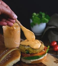 3 ingredient killer vegan burger sauce made in 2 minutes- Easy and Spicy Vegane Burger-Sauce mit 3 Zutaten, hergestellt in 2 Minuten – Easy and Spicy Easy Soup Recipes, Whole Food Recipes, Vegetarian Recipes, Cooking Recipes, Healthy Recipes, Burger Sauces Recipe, Burger Recipes, Sauce Recipes, Spicy Mayo Recipe For Burgers
