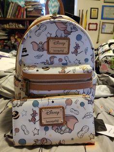 Dumbo vintage print Wallet and backpack from Loungefly Source by femininas estilosas Cute Mini Backpacks, Trendy Backpacks, Disney Handbags, Disney Purse, Cute Purses, Purses And Bags, Mochila Kpop, Cute Disney Outfits, Mini Mochila