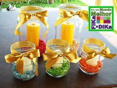 Vidros usados na decor da casa ou de festas. Usando velas e pedrinhas coloridas.