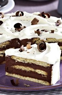 Süße Sünde! Schoko-Keks-Torte: http://kochen.bildderfrau.de/rezepte/rezept_schoko-keks-torte_314651.aspx #torte