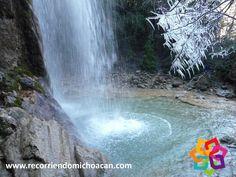 RECORRIENDO MICHOACÁN. Al sur de Tacámbaro, justo donde concluye la sierra y comienza la selva de tierra caliente, se encuentra la cascada de Arroyo Frio, aquí, además de la bella vista que ofrece, podrá practicar deportes e incluso nadar en una piscina que se encuentra a un lado de la cascada, gozando de su maravilloso clima. No puede dejar de visitar este increíble lugar.  HOTEL FLORENCIA REGENCY http://www.florenciaregency.mx/