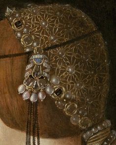 Bianca Maria Sforza's headdress by Giovanni Ambrogio de Predis.  https://hemmahoshilde.wordpress.com/2015/09/06/bianca-maria-sforza-the-bachelorette/ <--- You are welcome to read more about her wedding on my blog :).