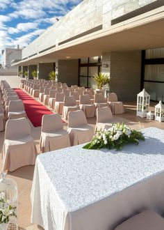 El hotel #OccidentalAranjuez es,sin duda, el escenario perfecto para todos los novios que quieran celebrar una boda inolvidable en la capital madrileña. Destaca su impresionante terraza de 300m²en la que podréis celebrar una romántica ceremonia civil o el cóctel de la boda, mientras los invitados disfrutan de unas impresionantes vistas al campo de golf. ¡Haced clic en el pin para solicitar más información! #WeddingTypes #LargeTerraceWeddings #TerrazasBoda