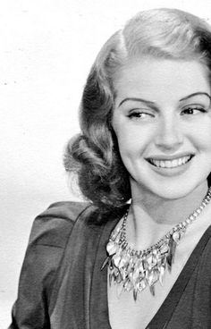 """The photo """"Lana Turner"""" has been viewed 90 times. Old Hollywood Stars, Old Hollywood Glamour, Golden Age Of Hollywood, Vintage Hollywood, Classic Hollywood, Classic Actresses, Hollywood Actresses, Actors & Actresses, Classic Movies"""