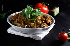 Indian Eggplant Curry (vegan) and 10 Useless Facts About Me | Spicie Foodie Food & Photography – Spicie Foodie ™