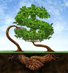 Convention de croissance financière avec deux arbres à la forme d'un signe de dollar et les racines sous la forme d'une poignée de main en partenariat d'un accord de contrat de réussite richesse sur un ciel bleu Banque d'images