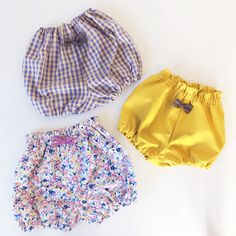Handmade Baby, Handmade Clothes, Plastic Pants, Baby Makes, Baby Bibs, Kids And Parenting, Boho Shorts, Diy And Crafts, How To Make