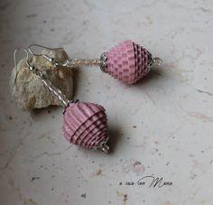 Orecchini leggeri con perle di carta Light di Acasaconmanu su Etsy