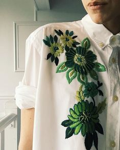 Embroidery Hand Hand Embroidered Shirt by Tessa Perlow on Etsy - Embroidery Fashion, Embroidery Dress, Floral Embroidery, Tessa Perlow, Diy Vetement, Embroidered Clothes, Embroidered Tops, Hand Embroidery Designs, Mode Inspiration