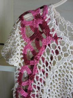 crochet lace beauty dress for girl - crafts ideas - crafts for kids Loom Patterns, Crochet Patterns, Crochet Ideas, Crafts For Girls, Crochet Fashion, Crochet Lace, Crochet Tops, Knit Dress, Crochet Projects