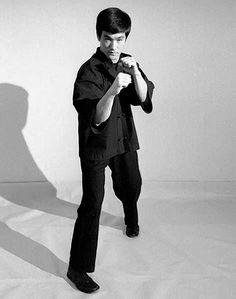 Bruce Lee teaching the art of fighting