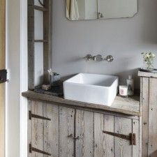 bathroom-basin--vintage-house--Ideal-Home